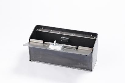 建設機械の工具ボックス